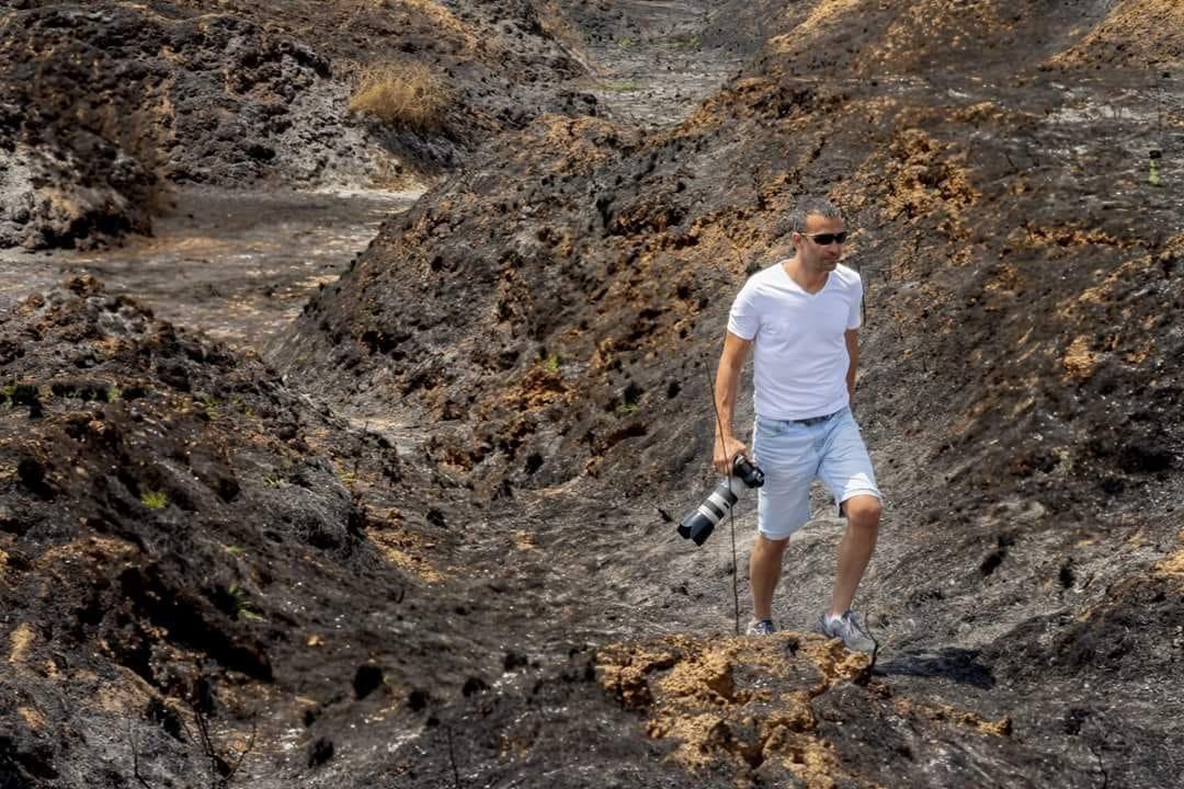 אדי ישראל מתעד את השריפות. צילום: סלפי