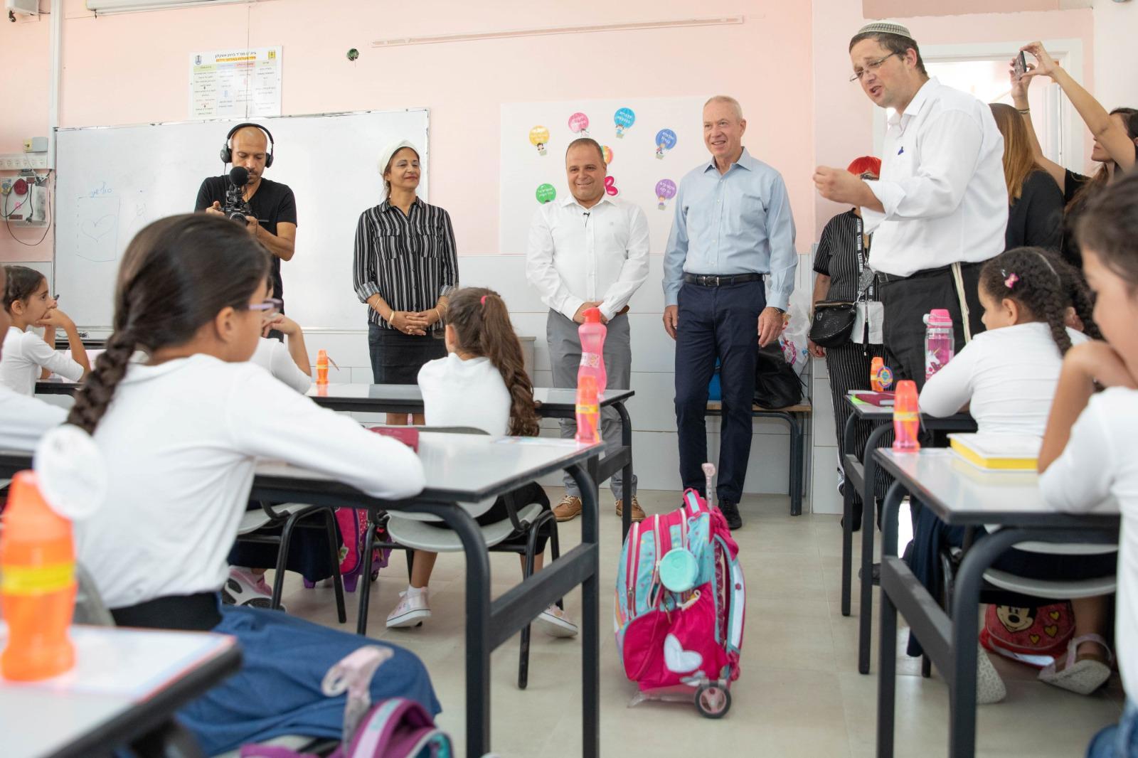 ראש העיר בביקור בבית ספר בעיר