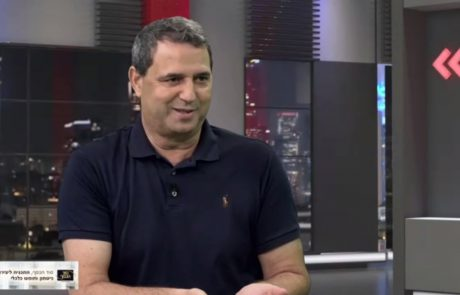 """משכונת מצוקה באשקלון לרשימת 500 העשירים בישראל – צפו 📹 אלי אלעזרא מספר את סיפורו בכנס """"ממשבר לצמיחה"""""""