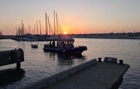 חילוץ בלב ים: שוטרי יחידת השיטור הימי ביצעו פעולת חילוץ בלב ים