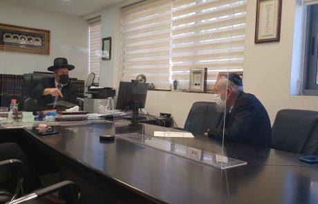 בהמשך לדיונים על סגר בפורים: פרוייקטור הקורונה והרב הראשי לישראל נפגשו