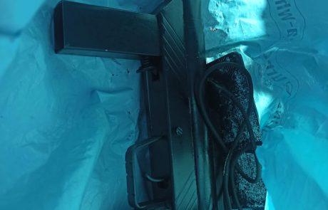 2 חשודים ניסו להימלט משוטרים כשאחד מהם נושא נשק