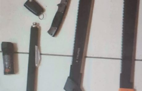 שוב פאדיחות לעיר: עבריינים מאשקלון לא הצליחו להימלט משוטרים ונתפסו ליד מועדון בנס ציונה עם נשקים – 3 עצורים בפרשה