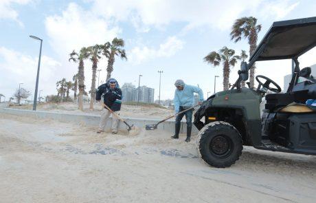 """עובדי עירייה: """" להגיד שלא נערכנו לסערה? עבדנו ללא הפסקה למען התושבים """""""